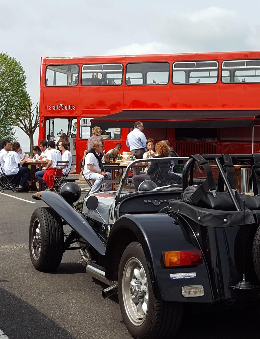 Le Bus Rouge pour le départ du Rallye du Pôle des Entrepreneurs